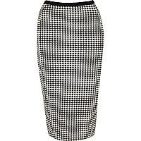 Black and white gingham pencil skirt