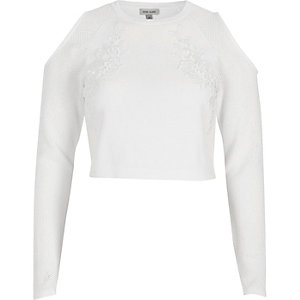 White knit cold shoulder long sleeve crop top