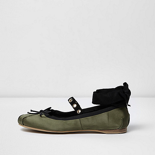 Khaki green ankle ribbon ballet pumps