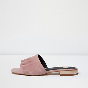Mules en daim rose clair à volants