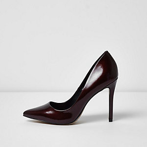 Dark red patent pumps