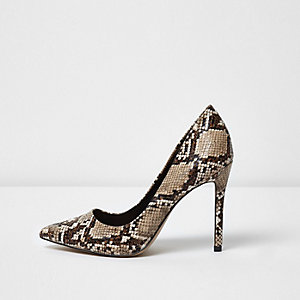 Brown snake print court shoes