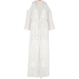 Caftan long blanc transparent orné