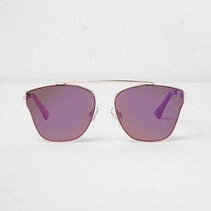 Goudkleurige zonnebril met paarse glazen