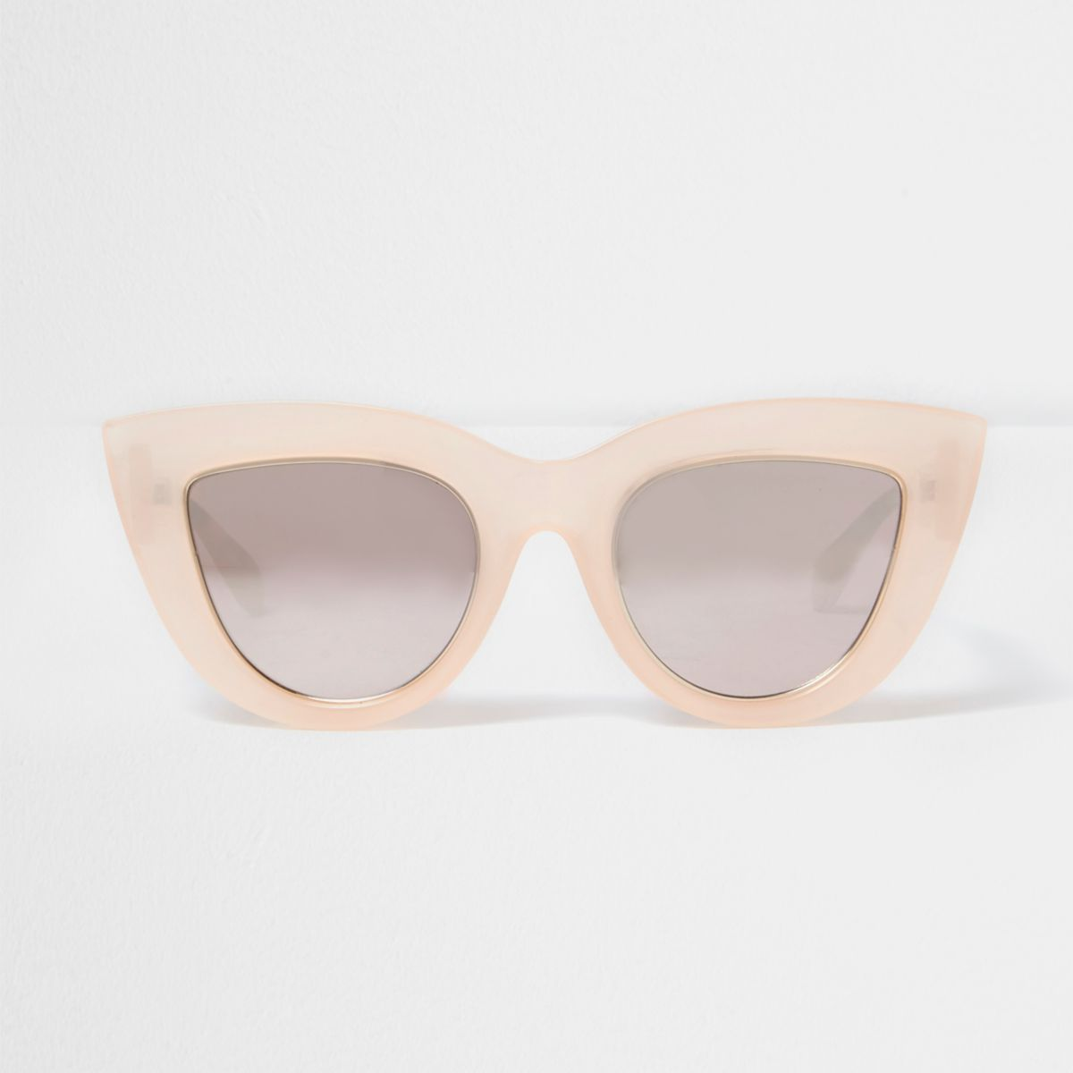 Light pink oversized cat eye sunglasses