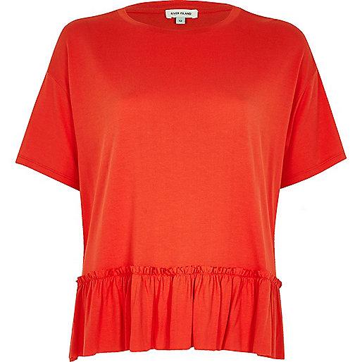 Rotes, kurzes Schößchen-T-Shirt