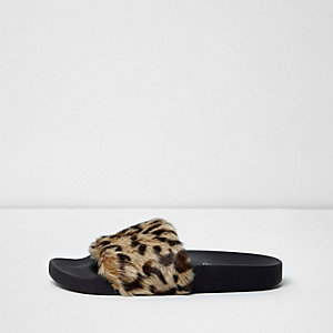 Brown leopard print faux fur sliders
