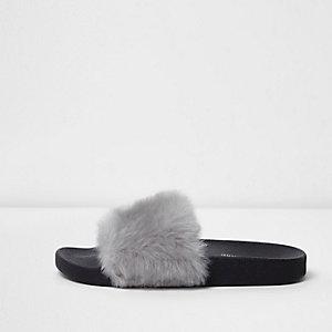 Grijze slippers met imitatiebont