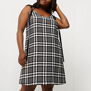 Plus black and white check slip dress