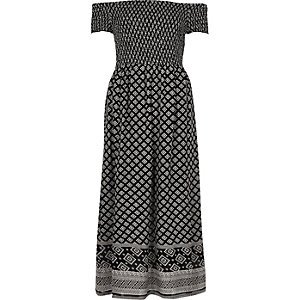 Robe longue Bardot froncée imprimé mosaïque noire