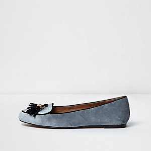 Graue Loafer mit Quaste