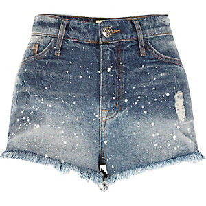 Mini-short en jean bleu moyen effet éclaboussures de peinture