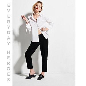 Chemise blanche à manches nouées