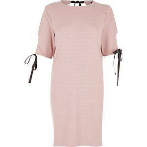 Robe t-shirt rose poudré avec nœud
