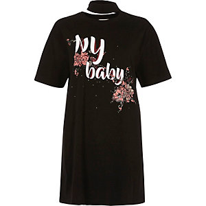Schwarzes Jumbo-T-Shirt mit Blumenmuster