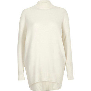 Cream oversized turtle neck sweater