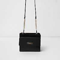 Schwarze Tasche mit Tasche