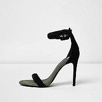 Zwarte minimalistische sandalen met gesp