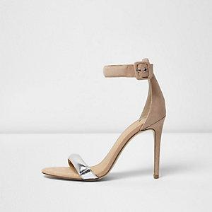 Nude minimalistische sandalen met hak en zilverkleurig bandje
