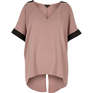 Mauve cold shoulder V-neck top