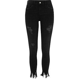 Amelie – Schwarze, ausgefranste Super Skinny Jeans