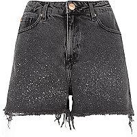Schwarze Jeansshorts mit Muster
