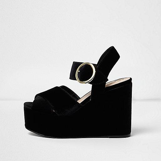 Chaussures en velours à plateforme et talons compensés