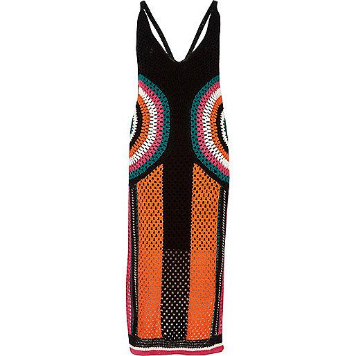Zwarte gehaakte jurk met kleurvlakken