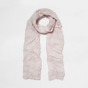 Light pink crinkle scarf