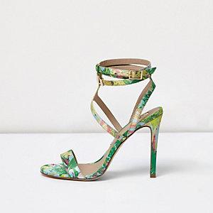 Groen gebloemde sandalen met bandjes en brede pasvorm