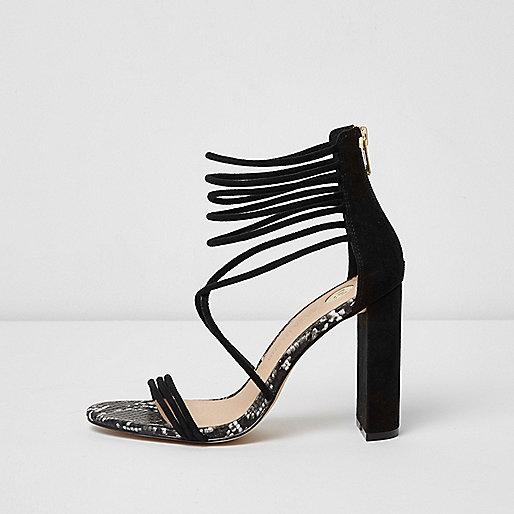 Sandales avec brides en daim noires à talons carrés