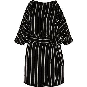 Combi-short rayé noir et blanc à épaules dénudées