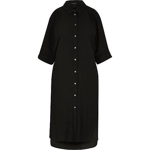 Robe chemise noire à épaules dénudées