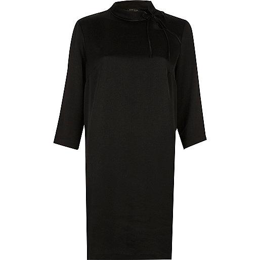 Robe évasée imprimé oriental noire avec liens