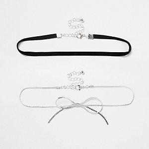 Ras-de-cou à deux rangs avec chaîne et nœud