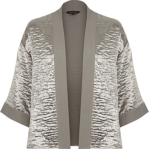 Grey cropped cape