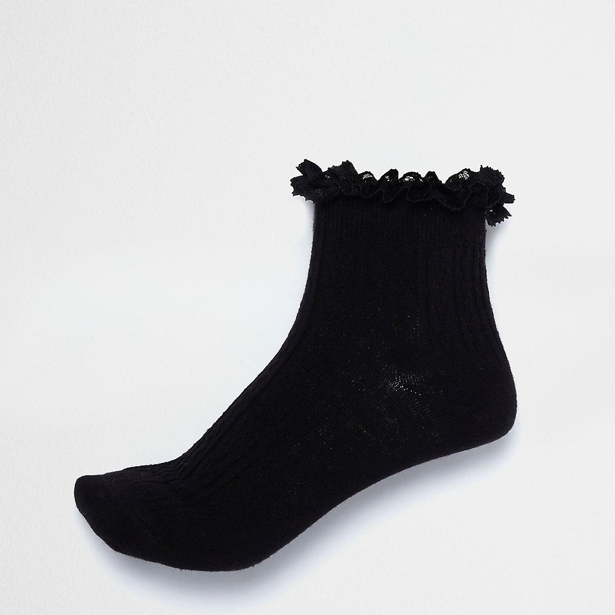 Black frill cable knit socks