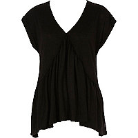 Black hanky hem V neck top