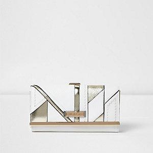 Witte portemonnee met overslag, druksluiting en metallic paneel