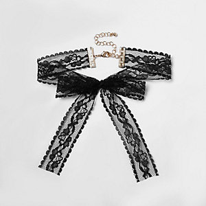 Collier ras-de-cou en dentelle noir à nœud style cravate texane