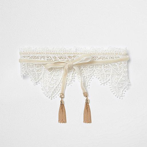 Cream lace collar choker