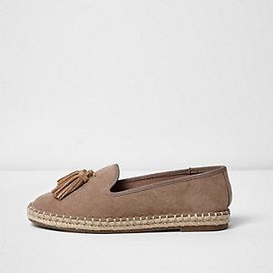 Beige Loafer mit Quasten, weite Passform