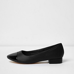 Black shine toe ballet flats