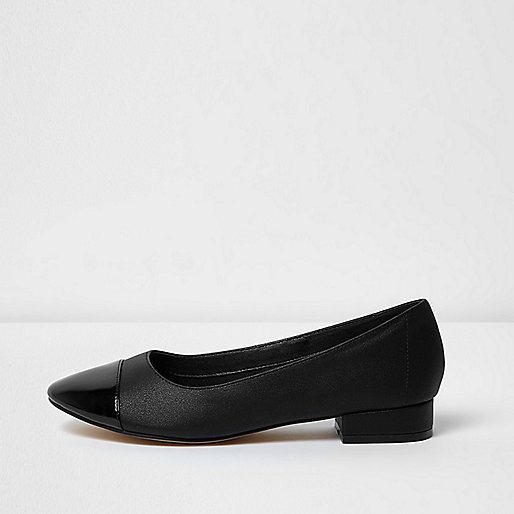 Black shine toe ballet flats