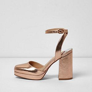 Sandales dorées à plateforme et talon carré
