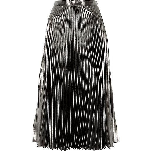 Silver metallic pleated skirt