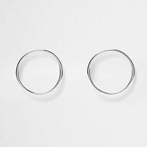 Boucles d'oreilles argentées en cercle
