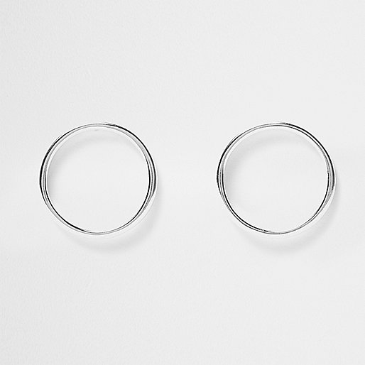 Silver circle stud earrings
