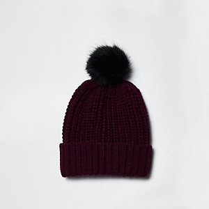 Burgundy knit bobble hat