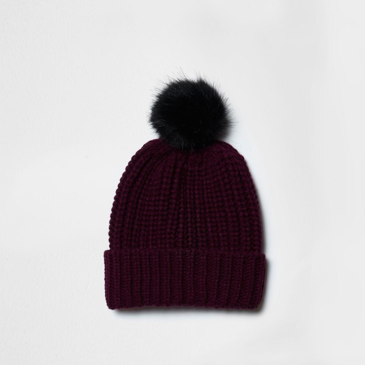 Burgundy knit bobble hat